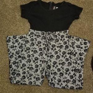 Girl's pantsuit